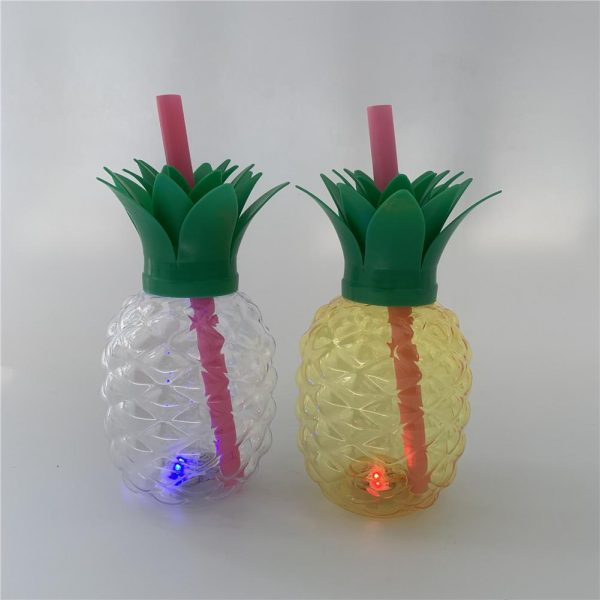 500ML Pineapple Shaped Cup Recycled Juice Milk Bottle With PP Straw Innovative Glowing Beverage Cup For